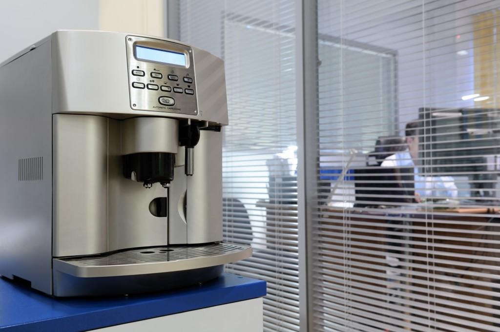Melaminharzschaum - FSK, Stuttgart, - Kaffeemaschine - Büro